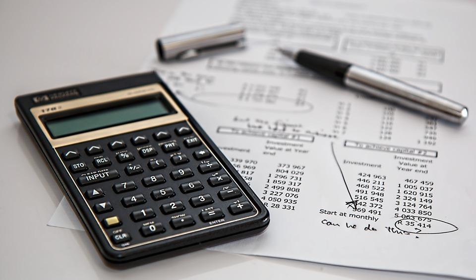 Calculadora e cálculos - Franquia em radiologia: como calcular o retorno do investimento ROI